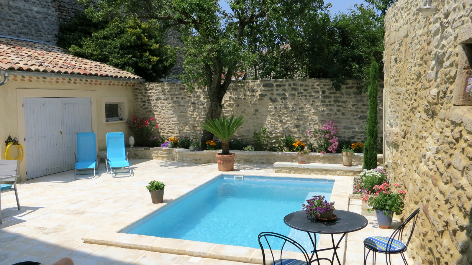 Ventes jardinpiscine r novation de charme compromis signe for Renovation jardin