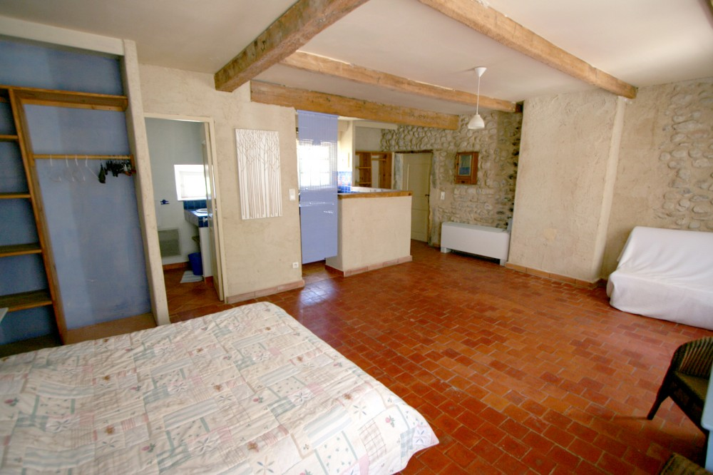 Small house in joint owner-ship In Drôme Provençale closed to Grignan and Vaison la Romaine