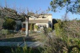 Attractive villa with dominant view between Montelimar and Pierrelatte 4 bedrooms, 140 sqm LS
