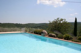 250 sqm farhouse on 5 ac of land North Gard amazing open view