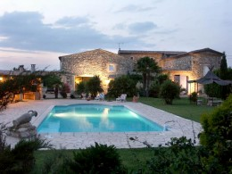 Farmhouse restored close to Montelimar